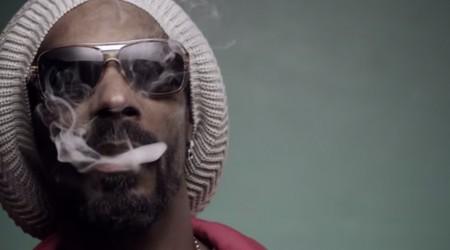 Snoop Lion – Smoke The Weed ft. Collie Buddz