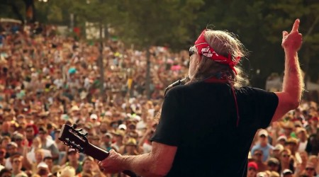 Willie Nelson – Roll Me Up and Smoke Me When I Die